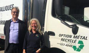 Martin Noël, conseiller coopératif à la CDRQ, et Eve Cloutier, directrice générale d'Option Métal Recyclé